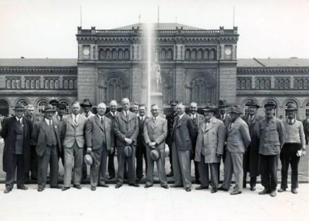ARH Slg. Mütze 066, Bauleitung des Ernst-August-Platz Umbaus vor dem Hauptbahnhof, Hannover, 1938