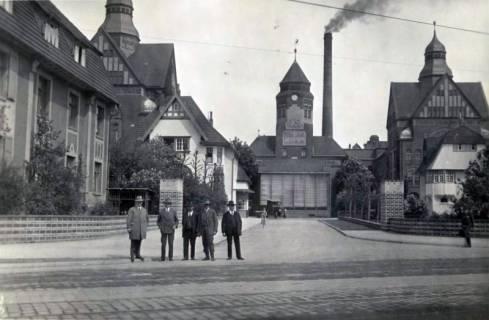 ARH Slg. Mütze 071, Einfahrt zu den Pelikanwerken an der Podbielskistraße, Hannover, 1936