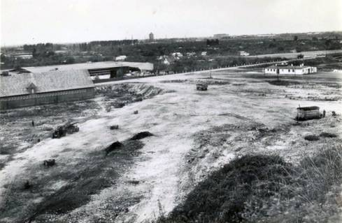 ARH Slg. Mütze 086, Schuttanfuhr nur durch Lastzüge auf dem Kippgelände Bothfelder Straße (heute Holzwiesen), zwischen Constatinstraße und Mittellandkanal, Hannover, 1946