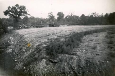 ARH Slg. Mütze 087, Schuttanfuhr mit einer Feldbahn auf dem Kippgelände Steintormasch, Hannover, 1946