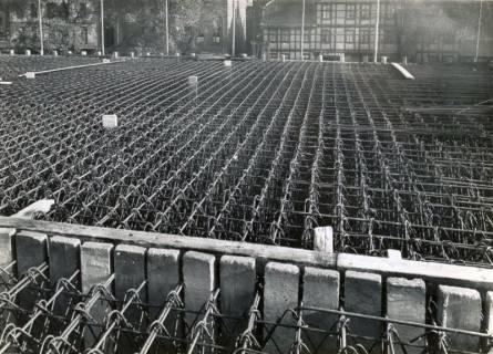 ARH Slg. Mütze 096, Stahlbewehrung am Luftschutzbunker an der Celler Straße, Hannover, 1941