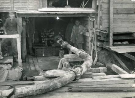 ARH Slg. Mütze 103, Betonpumpe beim Bau des Luftschutzbunkers am Klagesmarkt, Hannover, 1941