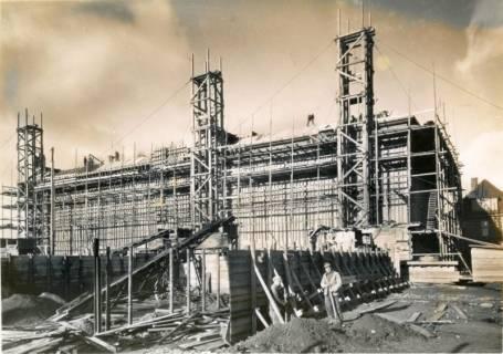 ARH Slg. Mütze 116, Baustelle des Luftschutzbunkers Rotermundstraße, Vahrenwald, 1942