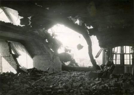 ARH Slg. Mütze 138, Dachdurchschlag am Luftschutzbunker Bahnhofstraße, Misburg, 1944