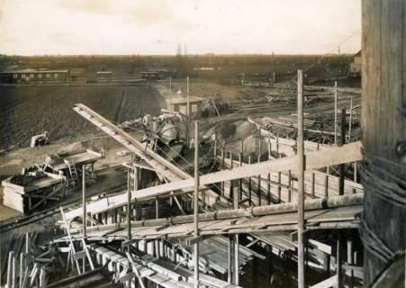 ARH Slg. Mütze 143, Baustelle des Luftschutzbunkers Rotermundstraße, Vahrenwald, 1942