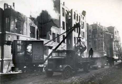 ARH Slg. Mütze 219, Schutträumung in der Kriegerstraße, Hannover, zwischen 1943/1949