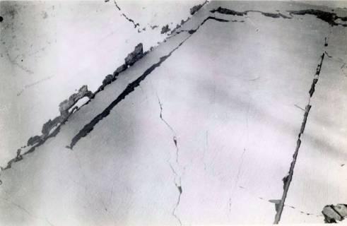 ARH Slg. Mütze 243, Beschädigung am Luftschutzbunker Bahnhofstraße durch Volltreffer, Misburg, 1944
