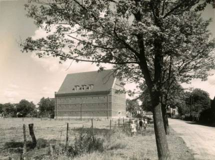 ARH Slg. Mütze 258, Luftschutzbunker Schmiedestraße, Langenhagen, 1944