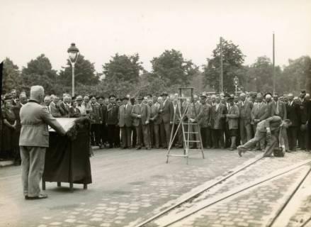 ARH Slg. Mütze 353, Ansprache zur Wiedereröffnung der Podbielskistraße, die als Zubringerstraße zur neuen Reichsautobahn ausgebaut wurde, Hannover, 1936