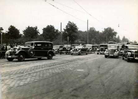 ARH Slg. Mütze 364, Wiedereröffnung der Podbielskistraße, die als Zubringerstraße zur neuen Reichsautobahn ausgebaut wurde, Hannover, 1936