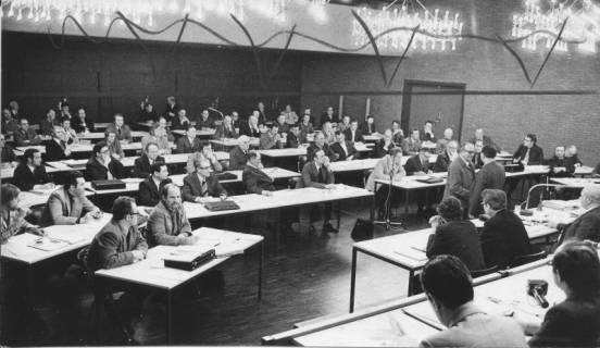 ARH Slg. Bartling 4, Sitzung des Interimsrates der Stadt im FZZ (bestehend aus den Bürgermeistern der zusammengeschlossenen Gemeinden), 1974