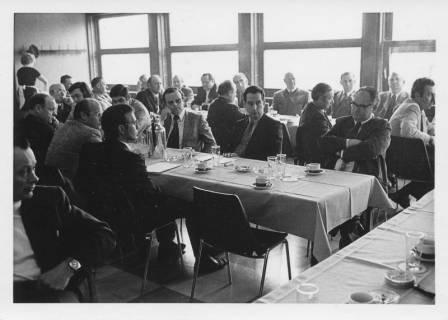 ARH Slg. Bartling 17, Ausschusssitzung während der Zeit des Interimsrats, um 1975