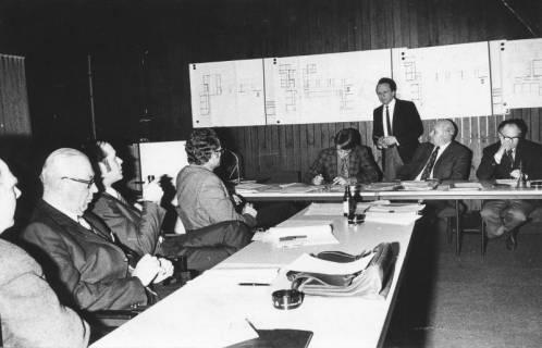 ARH Slg. Bartling 26, Sitzung des Bauausschusses, Referent: Architekt Ziegenmeyer, 1974