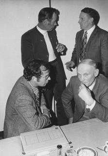 ARH Slg. Bartling 27, Sitzung des Bauausschusses, um 1975
