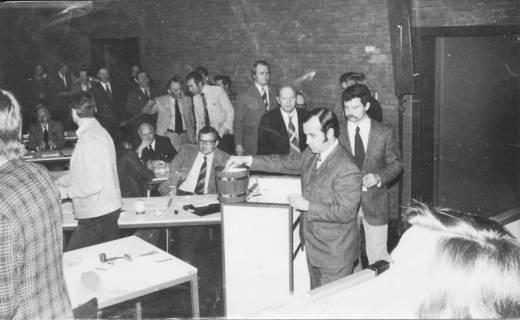 ARH Slg. Bartling 35, Ratssitzung im Bürgersaal des FZZ, um 1975