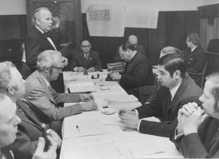 ARH Slg. Bartling 45, Ratssitzung im alten Rathaus, 1972