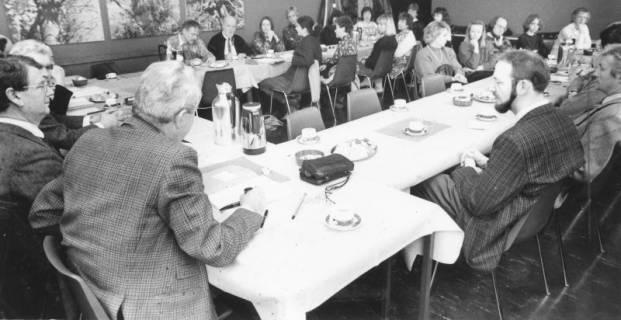 ARH Slg. Bartling 66, Sitzung des Kulturausschusses (?) im FZZ, um 1985