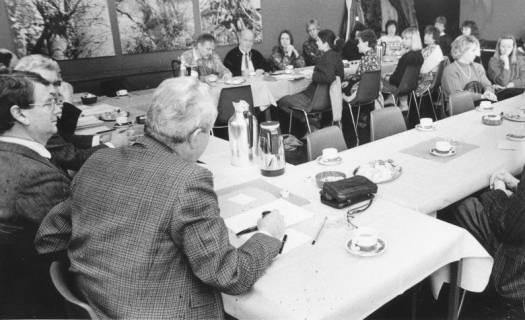 ARH Slg. Bartling 68, Sitzung des Kulturausschusses (?) im FZZ, um 1985
