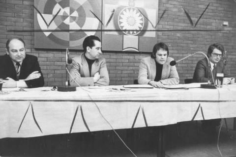ARH Slg. Bartling 82, Besprechung mit Vereinsvertretern über Sportförderung im Bürgersaal des FZZ, 1974