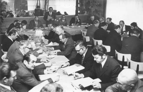 ARH Slg. Bartling 114, Sitzung der Gemeindedirektoren im Spiegelsaal des Hotels Stern, Vortragender Walter Wiemer, 1972