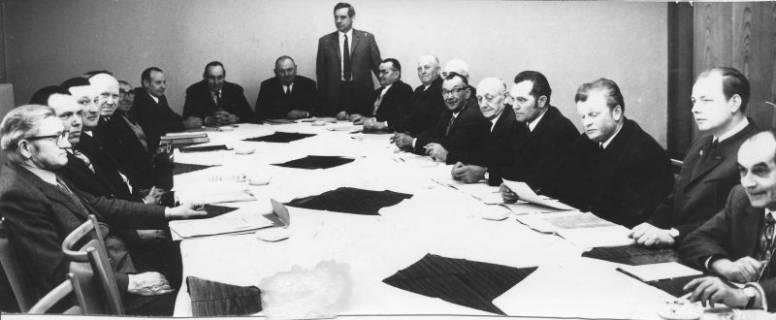 ARH Slg. Bartling 115, Sitzung von Gemeindedirektoren und (?), um 1972