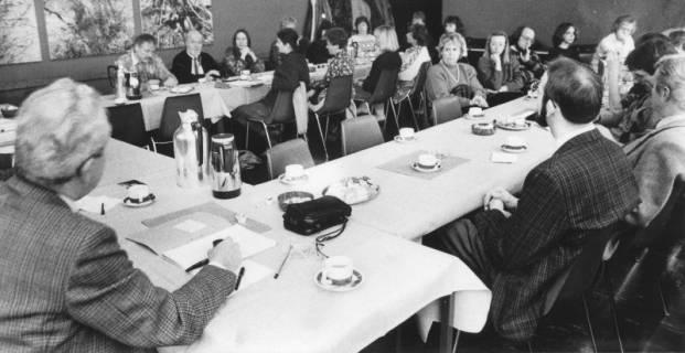 ARH Slg. Bartling 119, Sitzung des Kulturausschusses (?) im FZZ, um 1985