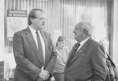 ARH Slg. Bartling 135, Henry Hahn, Bürgermeister und Jürgen Fricke, Ratsherr (SPD), um 1986