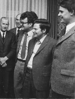 ARH Slg. Bartling 169, Gruppe von fünf Männern stehend, um 1974