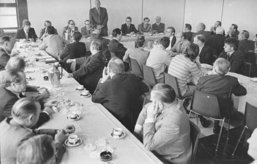 ARH Slg. Bartling 178, Sitzung von Rat und Verwaltung, um 1975