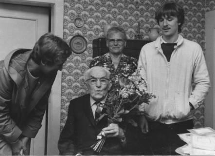 """ARH Slg. Bartling 205, Hugo Wendlandt, ältester Abnehmer von """"Essen auf Rädern"""", 1983"""