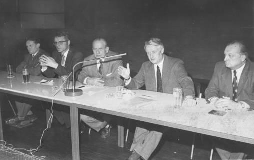 ARH Slg. Bartling 229, Landesminister Wilfried Hasselmann bei einer CDU-Wahlkampfveranstaltung im FZZ, 1974