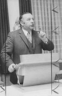 ARH Slg. Bartling 242, Karl Herold, parlamentarischer Staatssekretär (SPD) im Bundesministerium für innerdeutsche Beziehungen, 1972