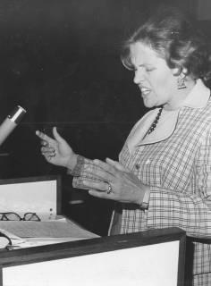 ARH Slg. Bartling 246, Hanna-Renate Laurien, Staatssekretärin in der Regierung des Ministerpräsidenten von Rheinland-Pfalz Helmut Kohl in Neustadt am Rübenberge, 1973