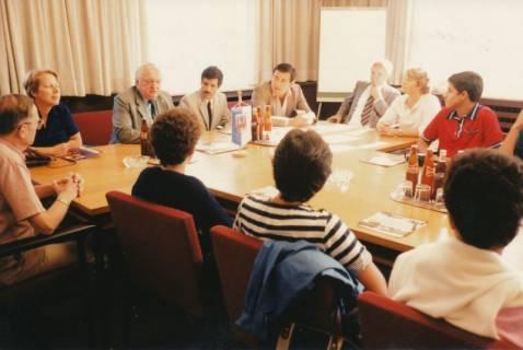 ARH Slg. Bartling 268, Empfang von tunesischen Schülern im Rathaus durch Bürgermeister Henry Hahn, 1983