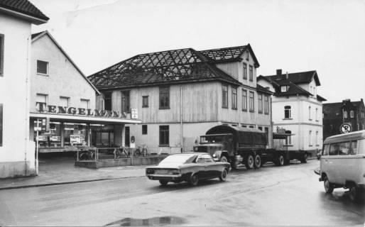 ARH Slg. Bartling 371, Wunstorfer Straße 4, Abriss des Hauses der Druckerei Sicius, Blick von der gegenüberliegenden Straßenseite nach Westen, 1971