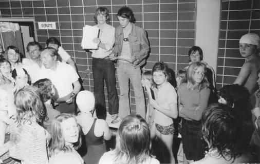 ARH Slg. Bartling 428, Siegerehrung durch Walter Klimsa, Rektor der Realschule, 1974