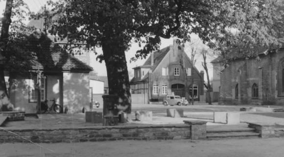 ARH Slg. Bartling 504, Kirchplatz, um 1950