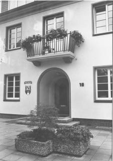 ARH Slg. Bartling 521, Rathaus an der Theodor-Heuss-Straße 18, um 1970