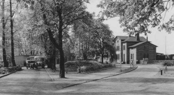 ARH Slg. Bartling 524, Bahnhofsvorplatz, um 1940