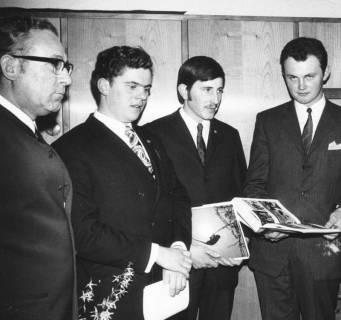 ARH Slg. Bartling 567, Auszeichnung von jungen Landwirten mit Buchprämien, 1971