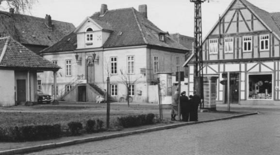 ARH Slg. Bartling 598, Marktstraße 2-4 (Altes Rathaus) / Ecke Leinstraße, um 1960