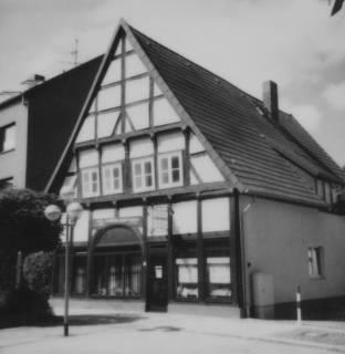 ARH Slg. Bartling 606, Fachwerkhaus Ecke Windmühlenstraße 20 / Schwarze Gasse, um 1980