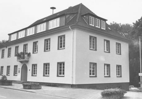 ARH Slg. Bartling 609, Rathaus in der Theodor-Heuss-Straße 18, um 1980
