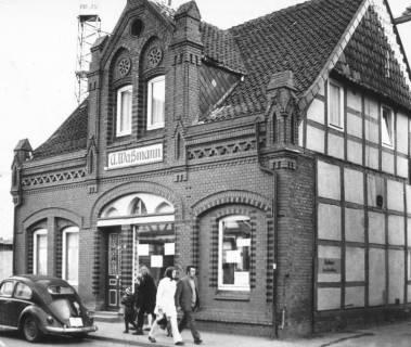 ARH Slg. Bartling 614, Schlachterei Adolf Wassmann, Marktstraße 33, Straßenfront, um 1970