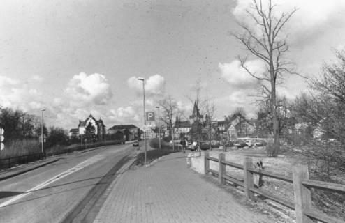 ARH Slg. Bartling 639, Herzog-Erich-Allee, Blick von der Löwenbrücke nach Westen auf die Liebfrauenkirche und das Amtsgericht, um 1980