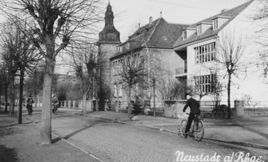 ARH Slg. Bartling 641, Mittelschule an der Lindenstraße mit Kopfsteinpflaster, um 1970