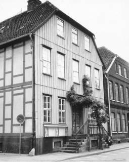 ARH Slg. Bartling 645, Fachwerkhaus Mittelstraße 2 (Alte Apotheke), um 1970