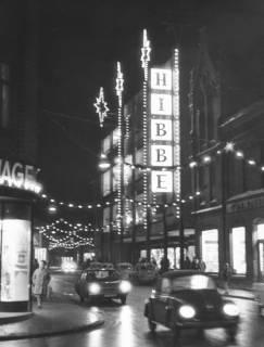 ARH Slg. Bartling 652, Marktstraße im vorweihnachtlichen Lichterglanz, 1970