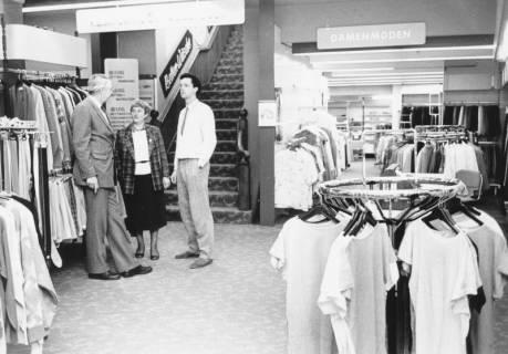 ARH Slg. Bartling 685, Marktstraße 18, Modehaus und Bettenhaus Wage, um 1970
