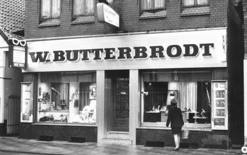 ARH Slg. Bartling 687, Leinstraße 6, Augenoptiker und Uhren W. Butterbrodt, Inhaber: Klaus Meyer, 1970